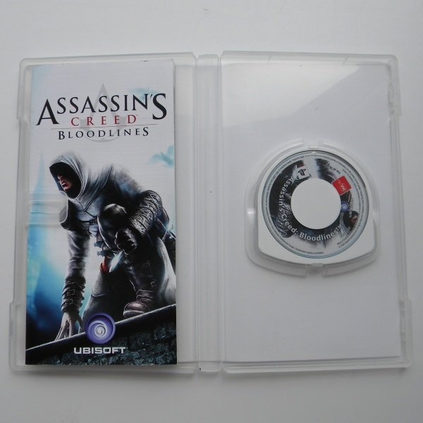 Диск для PSP с игрой Assassins Creed Bloodlines